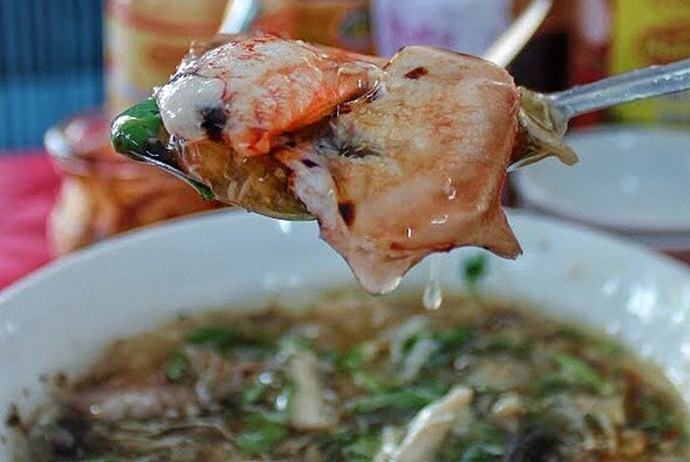 vietnamese crab soup - sup cua on nguyen thong street