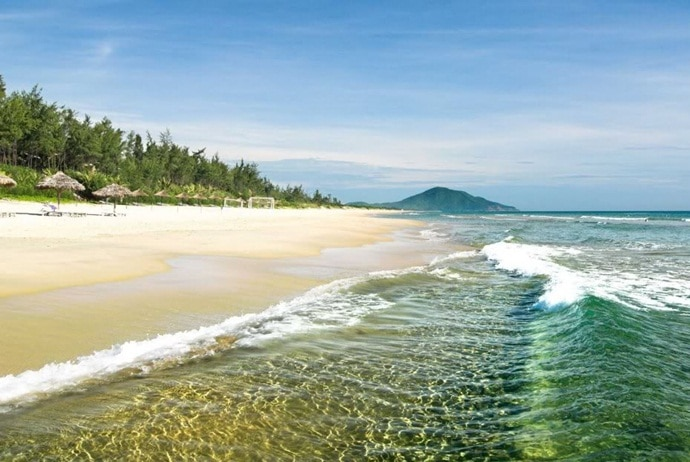 tra co beach - tra co beach in quang ninh