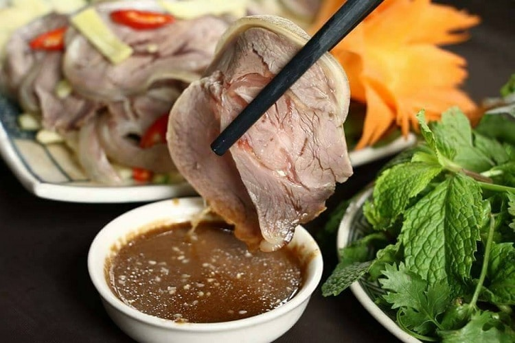 bai dinh pagoda - foods to eat