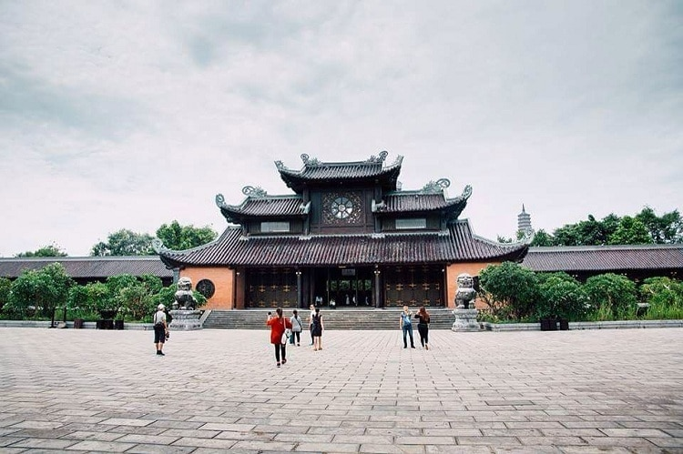 bai dinh pagoda - when is the best time for travelling to bai dinh pagoda in ninh binh