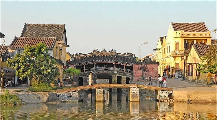 bridge pagoda in hoi an japanese covered bridge