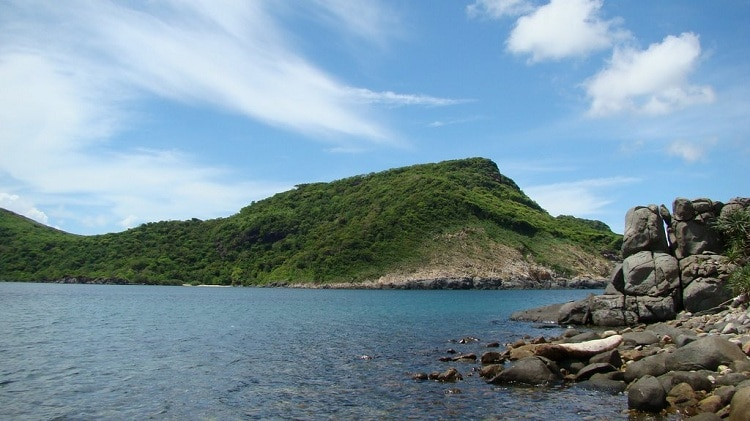 Dam Tre Bay – An Attractive Destination In Con Dao Islands, Vietnam