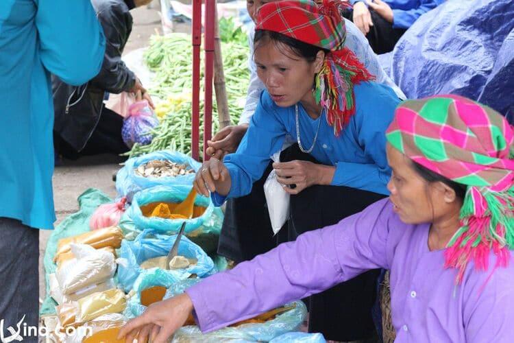vietnam photos - dong van sunday market