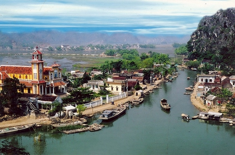 Kenh Ga Floating Village In Ninh Binh, Vietnam – Detailed Travel Guide