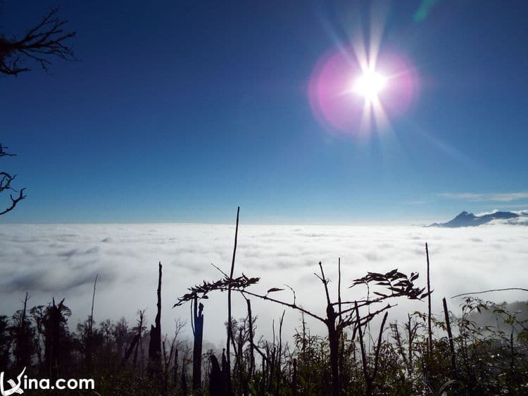vietnam photos - ky quan san mount