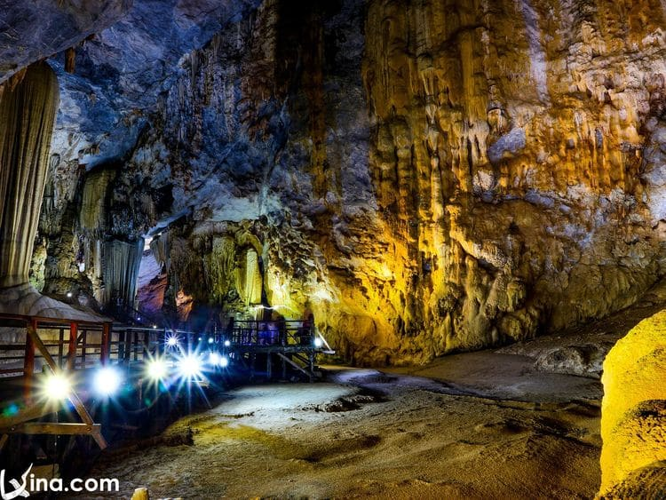 Paradise Cave Photos In Spring: Royal Palace In The Ground, Vietnam's Quang Binh province