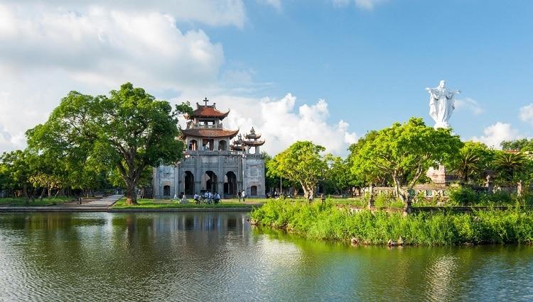 Phat Diem Cathedral, Ninh Binh: Must-Visit Church In Vietnam