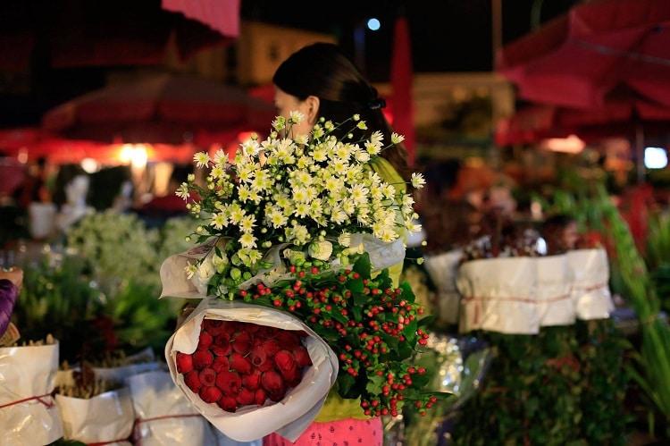Quang Ba Flower Market – Early Morning Adventures In Hanoi, Vietnam