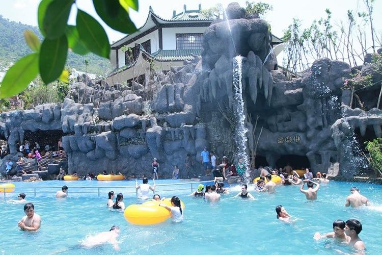 than tai hot springs park - long tien cave