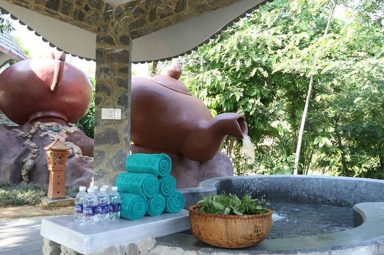than tai hot springs park - green tea bath