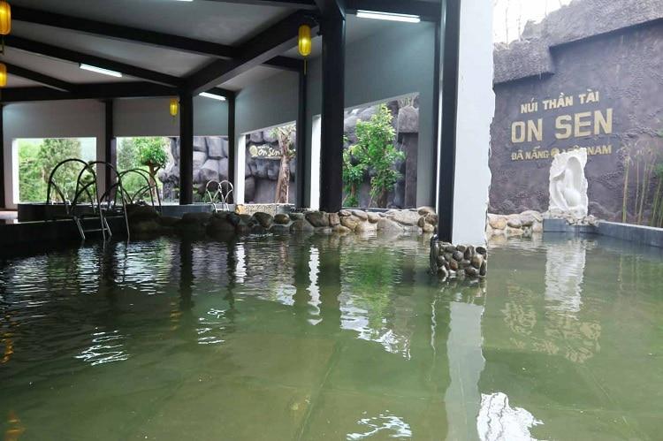 than tai hot springs park - onsen
