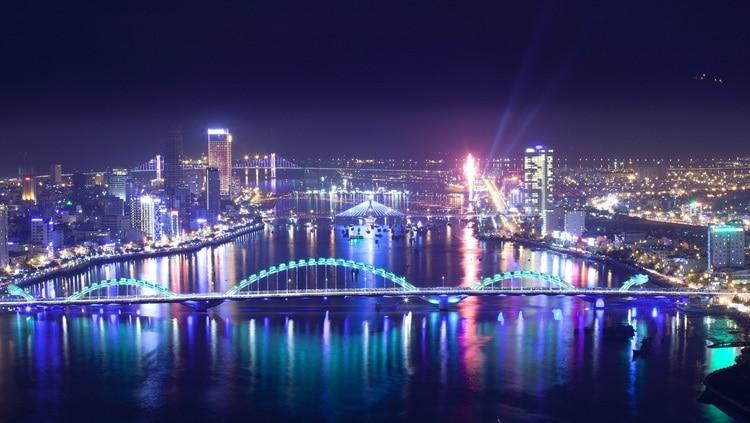 5 Attractive DaNang Bridges At Night: Interesting Things To Do In Da Nang, Vietnam
