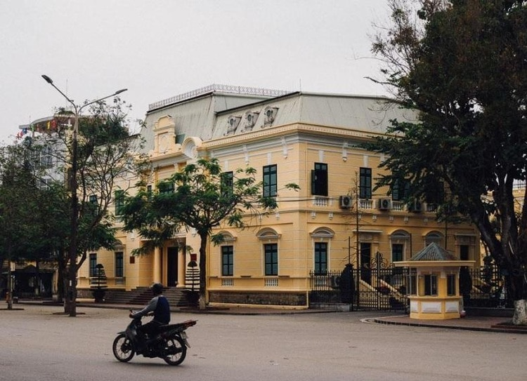 Hai Phong Colonial Quarter: Vietnam's Ancient Architecture Buildings