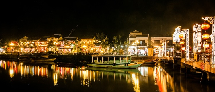 vietnam photos - night bars in hoi an