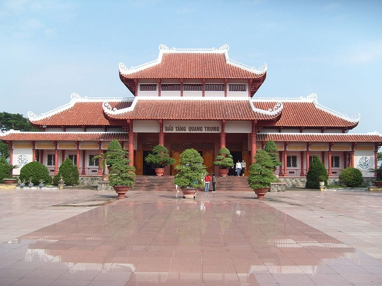 vietnam photos - quang trung museum