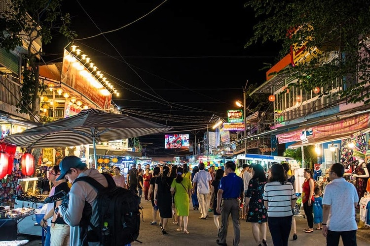 vietnam photos - night markets in phu quoc