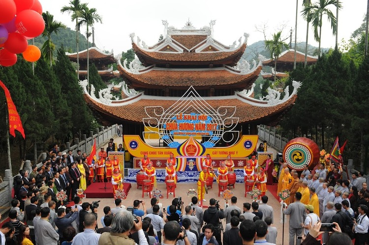 Huong Pagoda Festival In Hanoi, Vietnam: Activities To Do