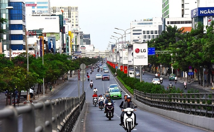 vietnam photos - shopping streets in ho chi minh