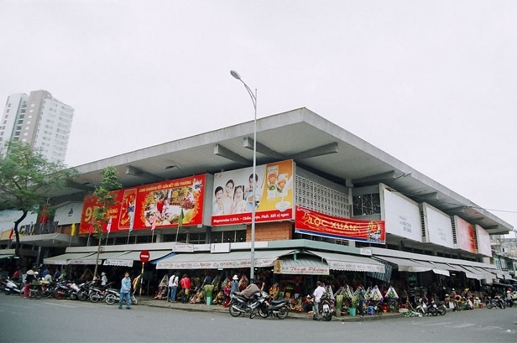 vietnam photos - markets in da nang