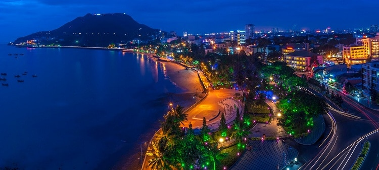 vietnam photos - nightlife in vung tau