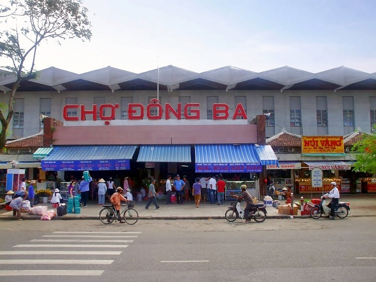 Top 10 Popular Places For Shopping In Hue, Vietnam