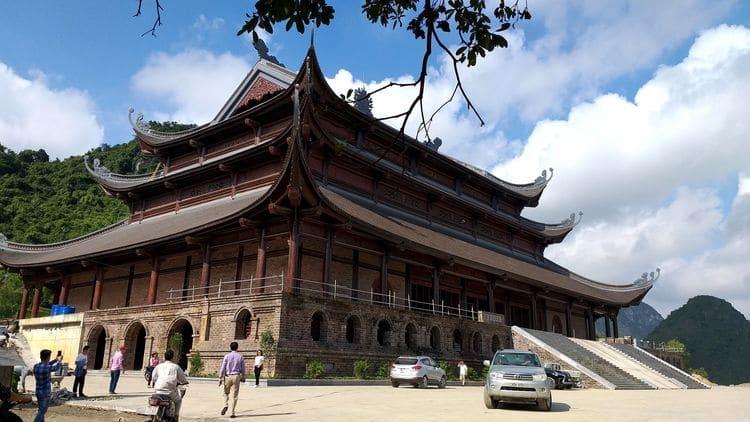 vietnam photos - tam chuc pagoda