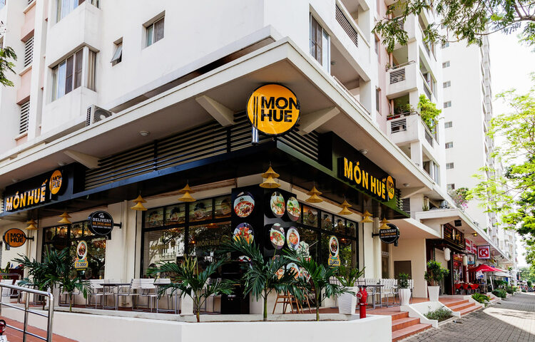 Top 5 Famous Hue Style Restaurants In Hanoi, Vietnam