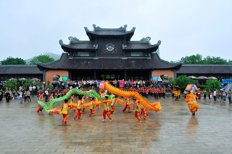 vietnam photos - bai dinh pagoda festival