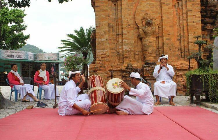 vietnam photos - po nagar festival