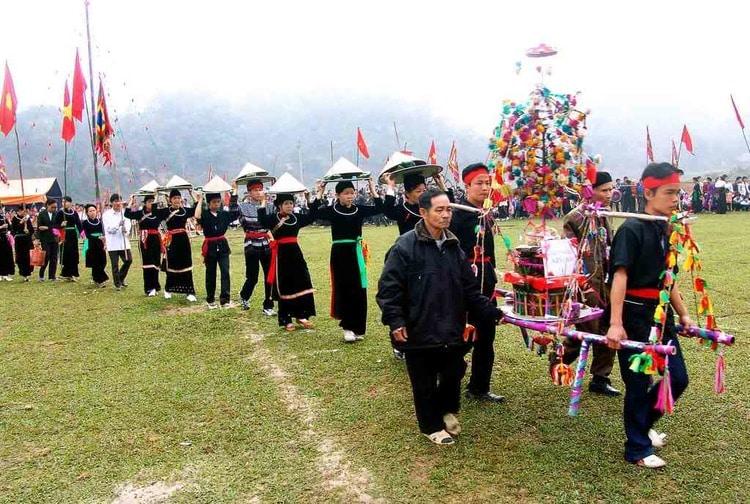 vietnam photos - gau tao festival