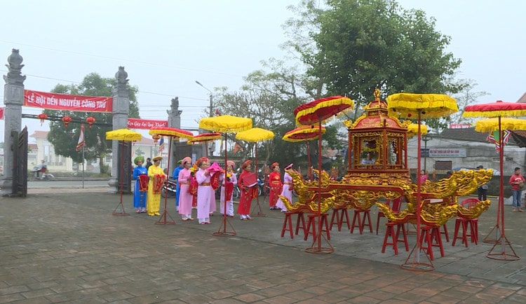 A Complete Guide For Nguyen Cong Tru Temple Festival In Ninh Binh