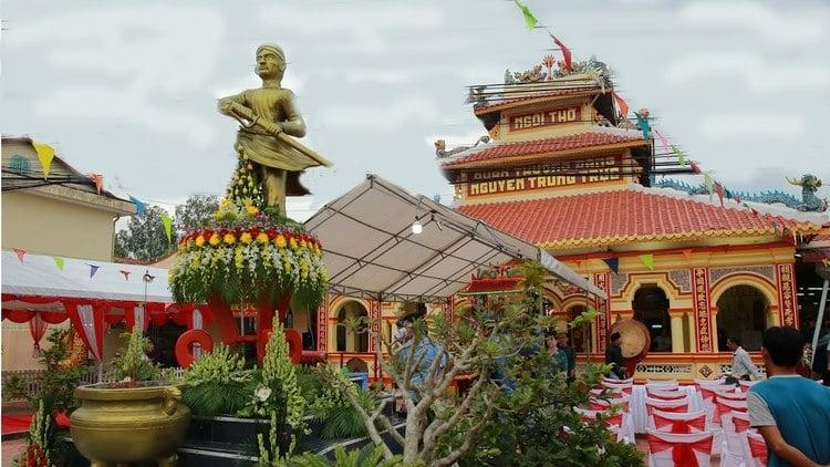 vietnam photos - nguyen trung truc festival