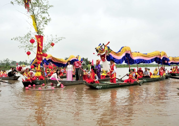 vietnam photos - nguyen cong tru temple festival