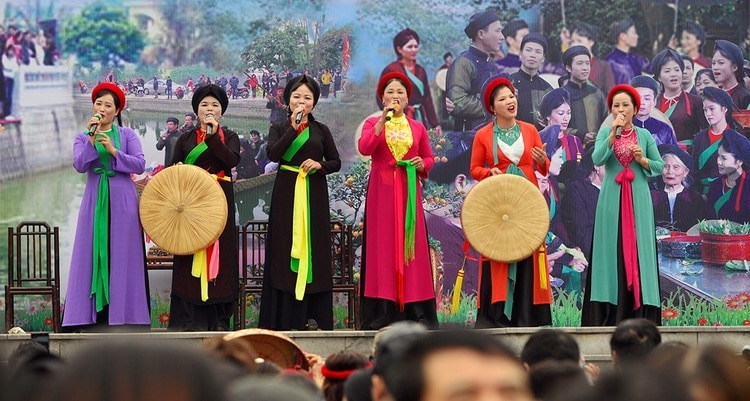 vietnam photos - lim festival