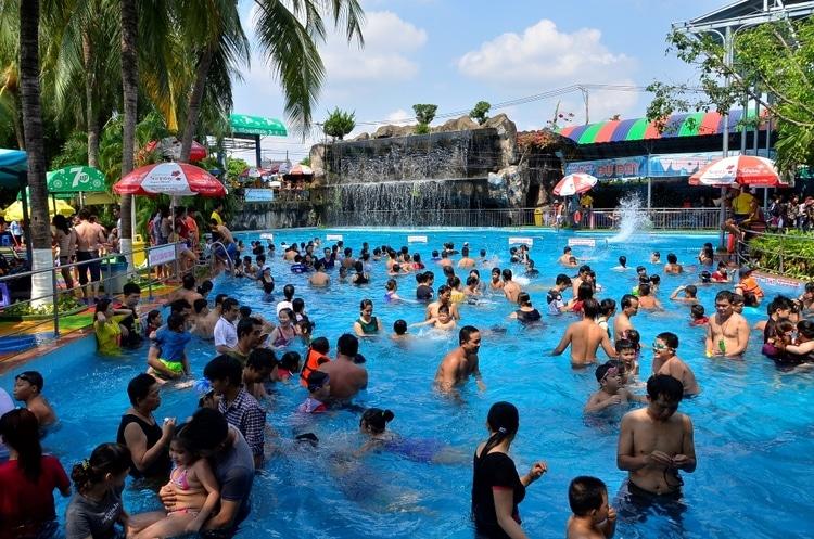 vietnam photos - dam sen water park