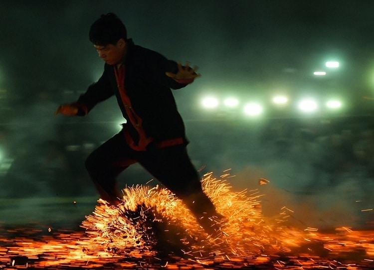 vietnam photos - fire dancing festival