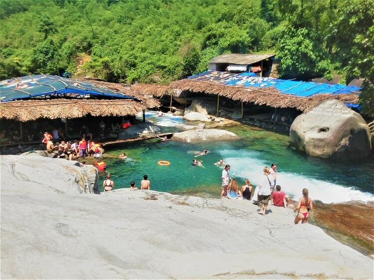 vietnam photos - elephant springs