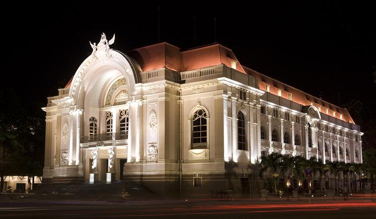 vietnam photos - saigon opera house