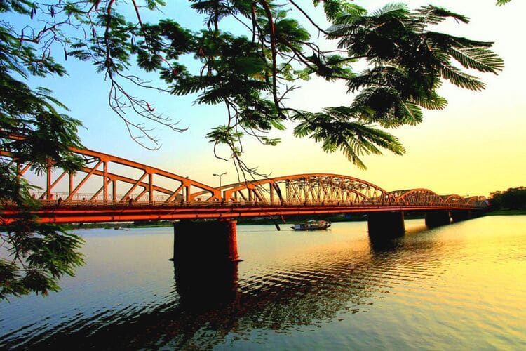 vietnam photos - huong river