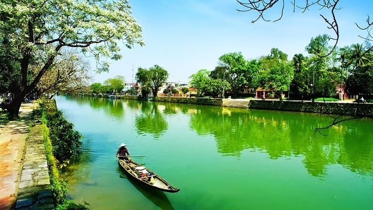 Huong River –The Iconic Beauty And Historical Witness Of Hue For Centuries