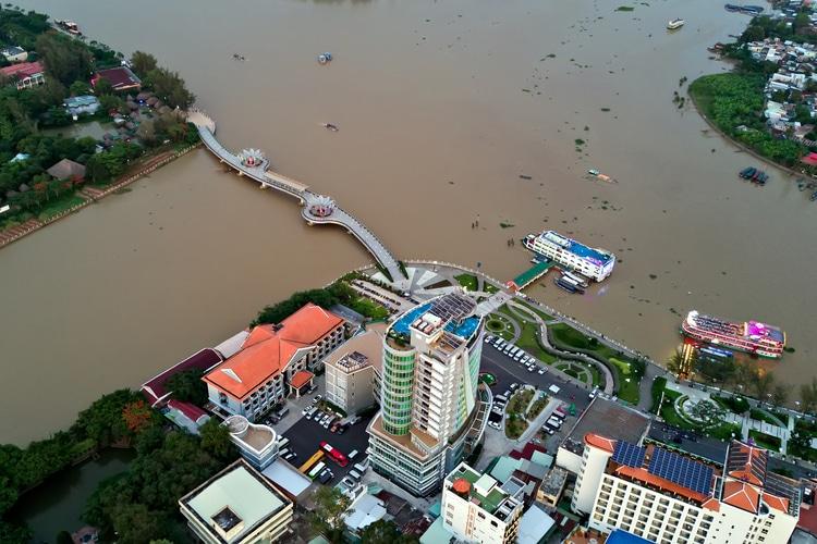 vietnam photos - ninh kieu pier