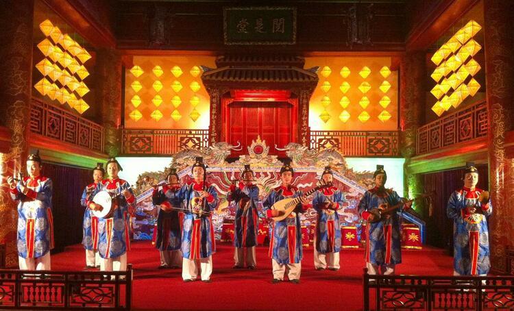 vietnam photos - hoi an traditional art performance theatre