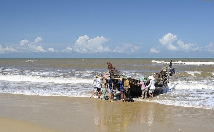 vietnam photos - vinh thanh beach