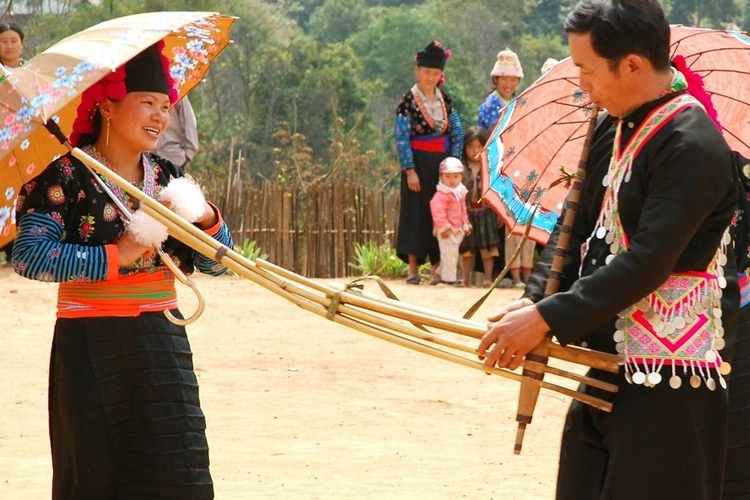 vietnam photos - khau vai love market festival