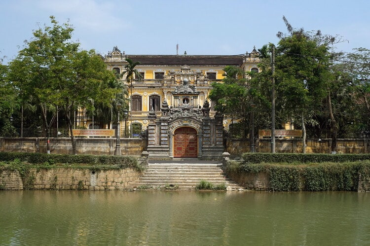 An Dinh Palace: The Hundred-Year-Old Pearl Of Hue With Western-Oriental Association