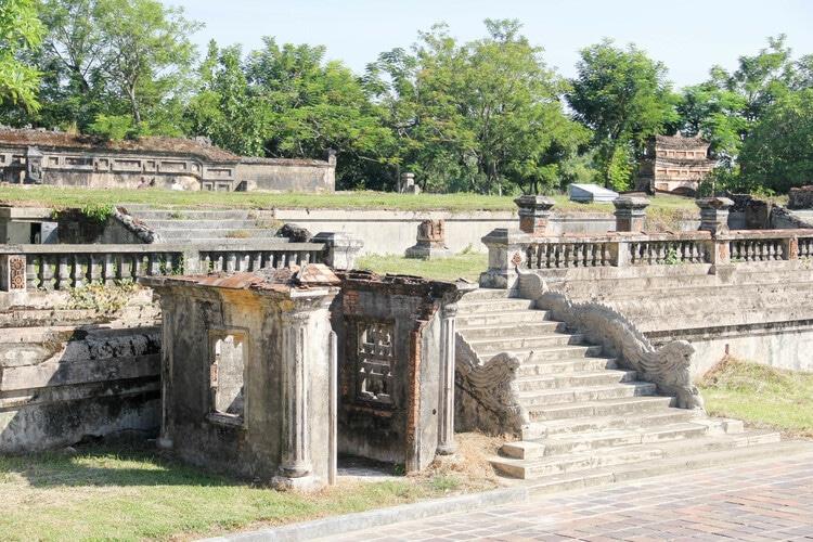 vietnam photos - kien trung palace