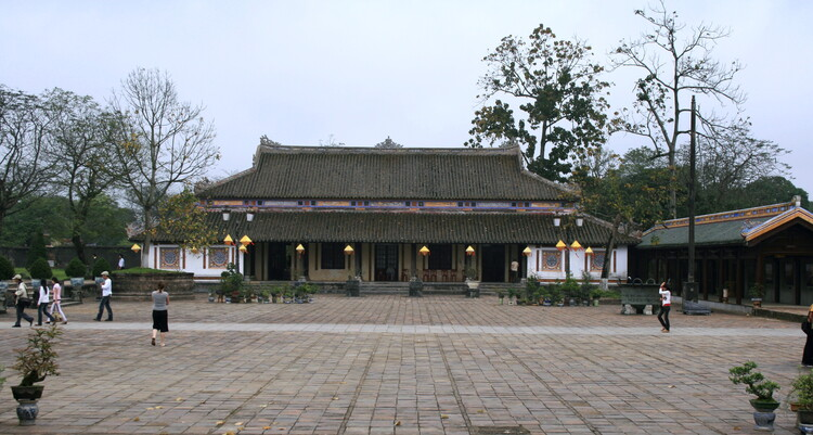Explore Can Chanh Palace: The Most Beautiful Wooden Structure In Hue Imperial Citadel