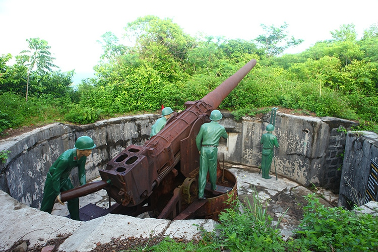 Cannon Fort: Beautiful Scenery & Historical Relics In Cat Ba Island