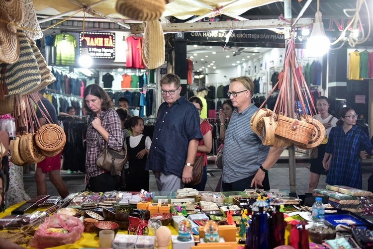 Top 7 Hanoi Night Markets Ideal For Tourists