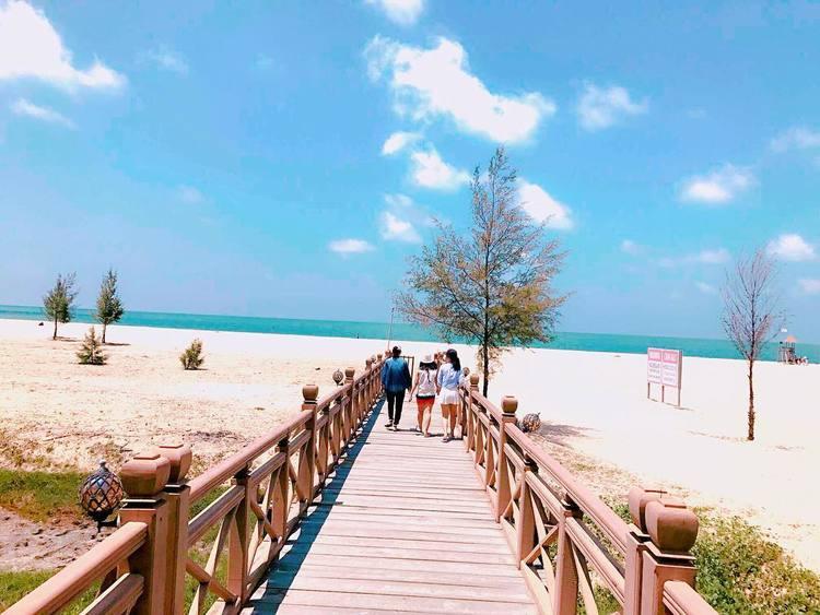 vietnam photos - ho tram beach